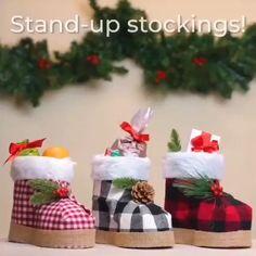 Christmas Hacks, Green Christmas, Diy Christmas Ornaments, Homemade Christmas, Christmas Projects, Holiday Crafts, Christmas Time, Christmas Decorations, Burlap Decorations