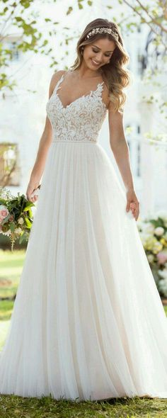 Soo and charming - wedding dress by Stella York from collection 2 . - wedding and bride - Soo and adorable – wedding dress by Stella York from the collection 2 … – - Fall Wedding Dresses, Boho Wedding Dress, Bridal Dresses, Wedding Gowns, Lace Wedding, 2017 Wedding, Trendy Wedding, Mermaid Wedding, Casual Wedding