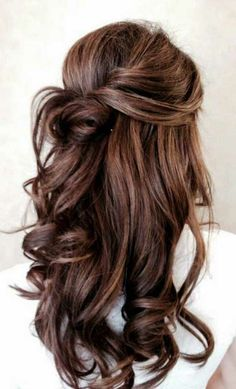 Hazelnut brown Related posts: Ash Toned Blonde Balayage For A Gorgeous Hair Transformation – braids + short hair cut Long Wavy Blonde Shag With Bangs 67 Beautiful Hair Color Ideas – The Best Exuding Highlights … Elegant Wedding Hair, Trendy Wedding, Wedding Ideas, Perfect Wedding, Elegant Updo, Loose Curls Wedding, Wedding Parties, Brown Wedding Hair, Summer Wedding