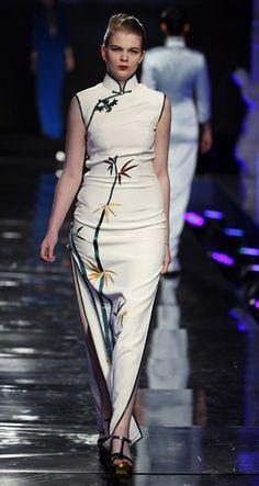中美联合推出BE.PRIVE东方神韵时尚旗袍