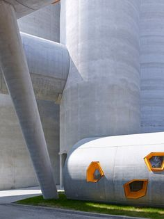 B Architecture has designed a cluster giant concrete silos to house the headquarters for a cement distribution centre on the outskirts of Paris. B Architecture, Contemporary Architecture, Concrete Architecture, Round Building, Interesting Buildings, Built Environment, Brutalist, Paris, Projects