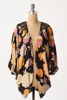 Dahlia Lace Cropped Kimono