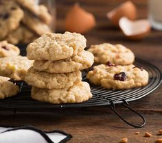You can't make a masterpiece without a canvas. Start your cookie creations with our Anything Goes Cookie Dough; it's soft and chewy, guaranteed. Customize this recipe with your favourite mix-ins! No Bake Desserts, Just Desserts, Dessert Recipes, Chocolate Oatmeal, Chocolate Chunk Cookies, Cookie Dough Recipes, Baking Recipes, Baking Ideas, Bread Recipes