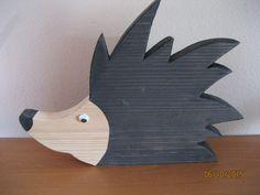Dekoration Igel aus Holz - groß von FILZ_HOLZ_und_MEHR auf DaWanda.com