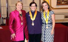 Alcaldesa de Lima impuso Medalla de la ciudad a Michelle Bachelet y Vanda Pignato