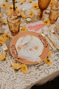 Groovy & Retro Elopement at Monadnock Berries in Troy, NH: Positive Vibes & Funky-Fresh Details - an Aisle Planner Wedding Styled Shoot. Wedding Themes, Wedding Styles, Wedding Decorations, Retro Wedding Theme, Wedding Ideas, Wedding Props, Wedding Bells, Wedding Planning, 1970s Wedding
