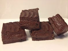 This much protein in a brownie? Fitness Recipes – Protein chocolate brownies by Fitness Recipes Healthy Recipes, Healthy Desserts, Sweet Recipes, Real Food Recipes, Snack Recipes, Dessert Recipes, Snacks, Paleo Sweets, Protein Recipes