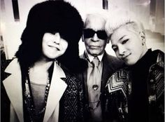 It appears Big Bang's G-Dragon and Taeyang got to meet the world famous fashion designer, Karl Lagerfeld during Fashion Week in Paris!  Read more: http://www.allkpop.com/article/2014/01/g-dragon-and-taeyang-snap-a-picture-with-karl-lagerfeld#ixzz2r4GFG6QO  Follow us: @allkpop on Twitter | allkpop on Facebook