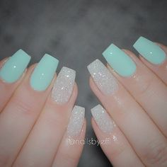 If you love nature, you will not miss the teal nail designs. Teal nails are inspired by the color of Mint Green Nails, Aqua Nails, White Nails, White Glitter, Glitter Nails, Glitter Eye, Sparkle Nails, Green Glitter, How To Beach Waves