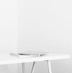 Tools und nützliche Dinge für einen cleanen Arbeitsplatz: http://sturbock.me/set/?set=arwork