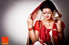 Simple Bengali Dress. I like the dainty jewellery
