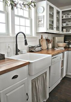 d872c73d375 41 Best Farmhouse Kitchen Sink Decor Ideas Kitchen Sink Decor