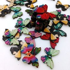 50Pcs Creative Butterfly Wooden Sewing Buttons DIY Craft Bag Hat Clothes Decoration