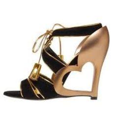 Cute heart shoes!!!! Love (: