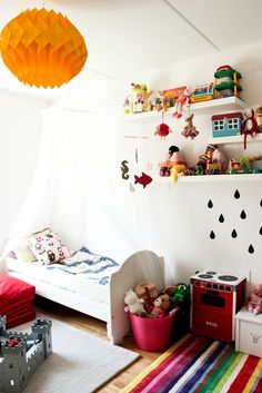 https://flic.kr/p/6FNaJw | Ikea Lack Shelves | hellomrsjling.blogspot.com/