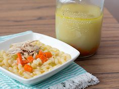 Easy tutorial recipe with step-by-photos for home-made chicken stock (broth) using chicken bones or leftover roast chicken.