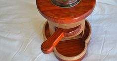 The modern scroll sawing website! Free Scroll Saw patterns, tips, and videos from the Scroll Bench. Picture Frames, Bowls, Baskets, etc.