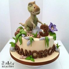 Dinosaur birthday party cake. Dinosaur themed birthday party