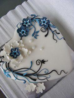white and blue cake by bubolinkata, via Flickr