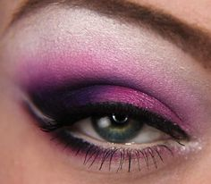 Berry pink and purple eyeshadow makeup
