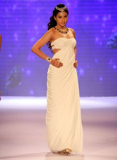 Gauahar (Gauhar) Khan looked lovely in a white off shoulder gown at IIJW 2014. #Style #Bollywood #Fashion #Beauty #IIJW