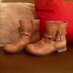 Short brown boots PERFECT CONDITION. Cute short brown boots. Never worn outside. Cute detailing, zipper on side. Size 6 Shoes Ankle Boots & Booties