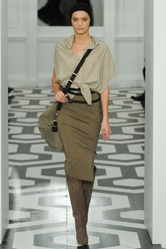 Victoria Beckham Fall 2011 Ready-to-Wear Collection Photos - Vogue#1#4