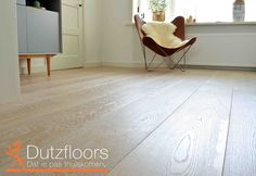 Ultraviolette houten vloer: Sterk en slijtvast.
