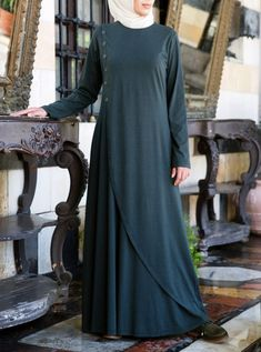 SHUKR's long dresses and abayas are the ultimate in Islamic fashion. Halal standards, ethically-made, international shipping, and easy returns. Hijab Fashion 2016, Abaya Fashion, Fashion Dresses, Burqa Designs, Abaya Designs, Urban Fashion Women, Unique Fashion, Womens Fashion, Islamic Fashion