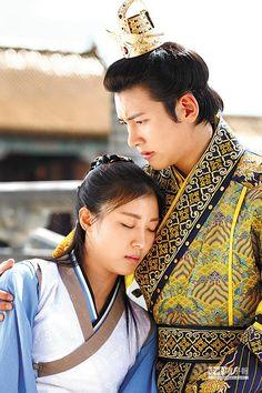 河智苑(左)和池昌旭主演的韓劇《奇皇后》在台創收視佳績。