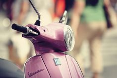 scooter on the beach Pink Vespa, Pink Photography, Golf Bags, Retro, My Style, Beach, Dear Diary, Scooters, Google