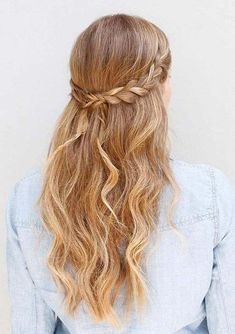 Beautiful half up braided hairstyles are best way to bring the charm and elegance in your wedding day hairstyles. If someone asks me to tell about the hairstyle to show off on big wedding day then i personally recommend the half up half down style for all those ladies who love to wear these charming hairstyles.
