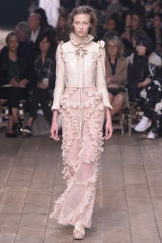 Alexander McQueen Ready To Wear Spring 2016 | WWD