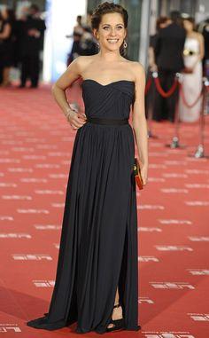 Amei o longo Lanvin preto de María Leon no Premio Goya 2012. Clássico e lindo.