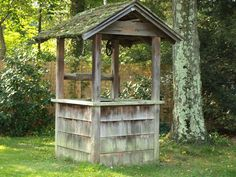 I love this old wishing well.