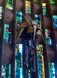 Basil Spence's New Coventry Cathedral 1962 Modern Stained Glass, Stained Glass Church, Stained Glass Lamps, Stained Glass Windows, Church Architecture, Architecture Details, Coventry Cathedral, English Wheel, Modern Church