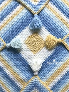 Moss Stitch in a Square Crochet Blanket