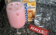 INGREDIENTES 1 copo de vodka ou 51 1 caixa de leite condensado 4 pacotes de bala Halls sabor Morango 2 formas de gelo COMO FAZER BATIDA DE HALLS MODO DE PREPARO Bata todos os