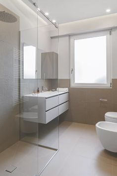 Bathroom decor for the bathroom remodel. Learn master bathroom organization, bathroom decor tips, master bathroom tile some ideas, bathroom paint colors, and more. Bathroom Design Small, Bathroom Layout, Bathroom Interior Design, Tile Layout, Bath Design, Budget Bathroom, Bathroom Renovations, Bathroom Ideas, Bathroom Organization