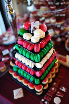 Red, green, and white macarons tower Macaron Cake, Macaron Cookies, Macaroon Tower, French Macaroons, Baptism Ideas, Wonderful Recipe, Peaky Blinders, Dessert Table, Table Centerpieces