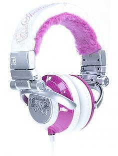 Skullcandy TI Headphones - Pink Fur No description http://www.comparestoreprices.co.uk/womens-accessories/skullcandy-ti-headphones--pink-fur.asp