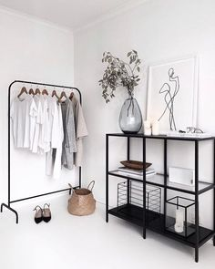 73 Nifty Small Bedroom Ideas and Designs Interior Design Room Decor Bedroom Bedroom Design Designs Ideas Interior nifty Small White Home Decor, Black Decor, Diy Home Decor, Decoration Inspiration, Decor Ideas, Art Ideas, Decorating Ideas, Decoration Pictures, Decorating Websites