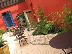 mexican house colors | Mexican Wall Color in Patio Area Striking Mexican Wall Color for ...