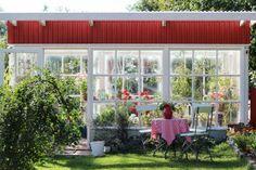 Pikkutalon elämää: Kasvihuoneemme