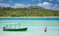 Praia dos Carneiros - Pernambuco A 90 km ao sul de Recife, a praia dos Carneiros possui águas claras e baixa profundidade.