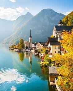 Um alle sehenswerten Orte in Europa einmal zu sehen, würde ein Leben vermutlich nicht ausreichen. Diese Orte gehören jedoch unbedingt auf deine Liste. The Places Youll Go, Cool Places To Visit, Places To Go, Voyage Dubai, Austria Travel, Visit Austria, Vienna Austria, Beautiful Places To Travel, Peaceful Places