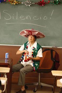 Yo voy a la clase de español a las dos y veinte. La profesora de español es muy agradable.