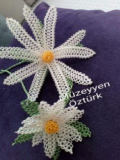 This post was discovered by Inci Pehlivandurgutalp. Discover (and save!) your own Posts on Unirazi. Flower Crafts, Diy Flowers, Crochet Flowers, Tatting Patterns, Crochet Patterns, Crochet Tablecloth, Hand Embroidery Stitches, Needle Lace, Lace Making