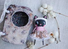 Handmade by Dollitude https://www.facebook.com/mirianata?fref=ts https://www.etsy.com/shop/mirianata