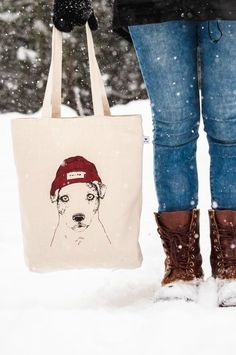Sturdy recycled cotton bag with a dog design. Made ethically and ecologically. Cotton Tote Bags, Reusable Tote Bags, Hiking Outfits, Hiking Dogs, Dog Sweaters, Hipster Fashion, Jack Russell Terrier, Dog Accessories, Dog Design